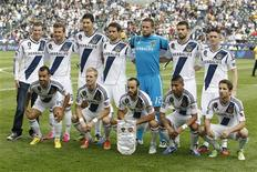 The Los Angeles Galaxy team poses before playing against the Houston Dynamo before the MLS Cup championship soccer game in Carson, California, December 1, 2012. REUTERS/Danny Moloshok