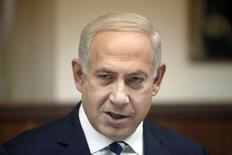 <p>Le Premier ministre israélien Benjamin Netanyahu a rejeté dimanche les condamnations internationales sur les projets d'expansion dans des implantations juives de Cisjordanie et à Jérusalem-Est annoncés après la reconnaissance à l'Onu du statut d'Etat non membre de l'Autorité palestinienne. /Photo prise le 2 décembre 2012/REUTERS/Lior Mizrahi/Pool</p>