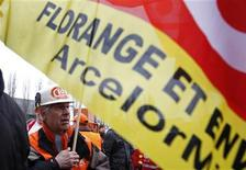 Employees of Arcelor Mittal take part in the blocking of a company's unit in Florange, Eastern France, February 23, 2012. REUTERS/Vincent Kessler