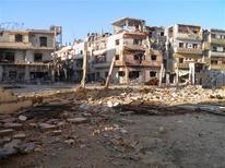 Siria no usaría armas químicas, si las tuviera, contra su propio pueblo, dijo el lunes el Ministerio de Asuntos Exteriores de Damasco en un comunicado difundido por la cadena de televisión estatal. En la imagen, edificoos dañados en Al Jalidieh, cerca de Homs, el 28 de noviembre de 2012. REUTERS/Shaam News Network/Handout ESTA IMAGEN HA SIDO PROPORCIONADA POR UN TERCERO. REUTERS LA DISTRIBUYE, EXACTAMENTE COMO LA RECIBIÓ, COMO UN SERVICIO A SUS CLIENTES. SÓLO PARA USO EDITORIAL, NI VENTAS NI PARA SU VENTA PARA CAMPAÑAS DE MARKETING O PUBLICIDAD.