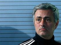 José Mourinho se negó el lunes a echar más leña al fuego a la especulación de los medios sobre su futuro como entrenador del Real Madrid, pero no pudo cortarlo de raíz cuando se le preguntó sobre el tema, unos días antes de la visita en Liga de Campeones del Ajax de Ámsterdam. En la imagen, el técnico del Real Madrid, José Mourinho, en una rueda de prensa en Madrid, el 3 de diciembre de 2012. REUTERS/Andrea Comas