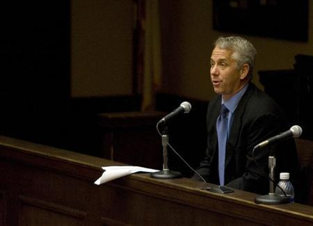 Former U.S. cyclist Greg LeMond attends an arbitration hearing addressing Floyd Landis in Malibu, California, May 17, 2007. REUTERS/Max Morse