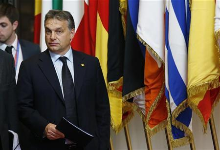 Hungary's Prime Minister Viktor Orban leaves a EU leaders summit discussing the European Union's long-term budget in Brussels November 23, 2012. REUTERS/Francois Lenoir