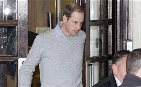 Britain's Prince William leaves the King Edward VII hospital in London, December 3, 2012. REUTERS/Neil Hall