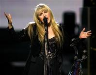 "U.S. recording artist Stevie Nicks performs the song ""Enchanted"" during a show at The Colosseum at Caesars Palace in Las Vegas, Nevada, May 10, 2005. REUTERS/Ethan Miller"