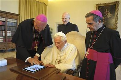 Pope gets more than half million Twitter followers
