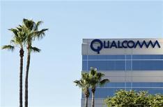 Qualcomm vai injetar até 120 milhões de dólares na Sharp, o que pode transformar a empresa na maior acionista da fabricante japonesa de TVs. 07/02/2011 REUTERS/Mike Blake