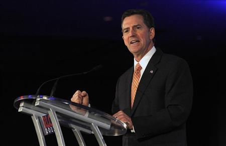 U.S. Senator Jim DeMint (R-SC) speaks during the Republican Leadership Conference in New Orleans, Louisiana June 17, 2011. REUTERS/Sean Gardner (UNITED STATES - Tags: POLITICS)
