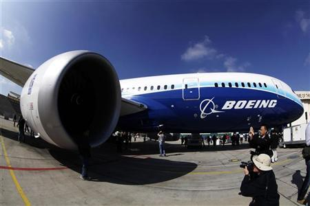 People view the Boeing 787 Dreamliner plane in Long Beach, California March 14, 2012. REUTERS/Lucy Nicholson