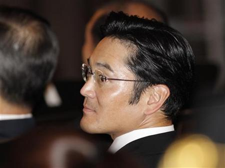 Jay Y. Lee, a senior executive of Samsung Electronics and only son of former Samsung Group chairman Lee Kun-hee, is seen during a commencement ceremony at Waseda University in Tokyo September 20, 2010. REUTERS/Toru Hanai/Files
