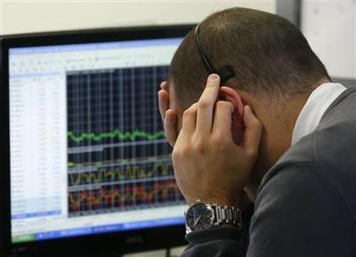 Subdued Spain bond sale puts aid debate back in focus