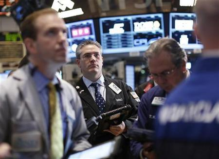 Traders work on the floor of the New York Stock Exchange, December 3, 2012. REUTERS/Brendan McDermid