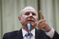 Ministro Guido Mantega disse que redução de prazo de empréstimos tem objetivo de permitir captações maiores. 07/11/2012. REUTERS/Ueslei Marcelino