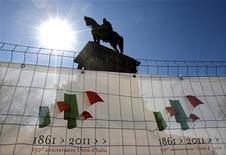 Immagine d'archivio di un monumento a Giuseppe Garibaldi. REUTERS/Max Rossi (ITALY - Tags: POLITICS)