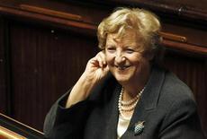 La ministro dell'Interno Anna Maria Cancellieri in una foto del dicembre 2011 durante un voto di fiducia in Parlamento. REUTERS/Alessandro Bianchi