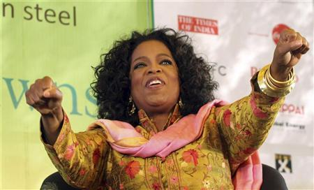 Entertainment host Oprah Winfrey gestures at the annual Literature Festival in Jaipur, capital of India's desert state of Rajasthan, January 22, 2012. REUTERS/Altaf Hussain