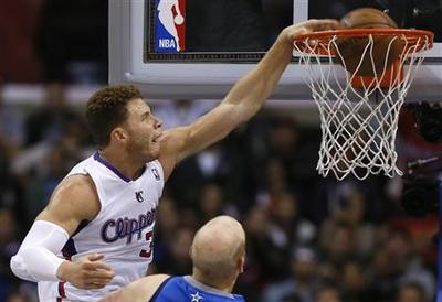 Crawford sizzles as Clippers hammer Mavs