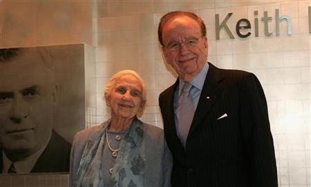 News Corp. Chief Executive Rupert Murdoch and his mother, Dame Elisabeth Murdoch, attend the opening of a new newspaper office building in Adelaide, Australia November 16, 2005. REUTERS/ Tony Lewis/Files
