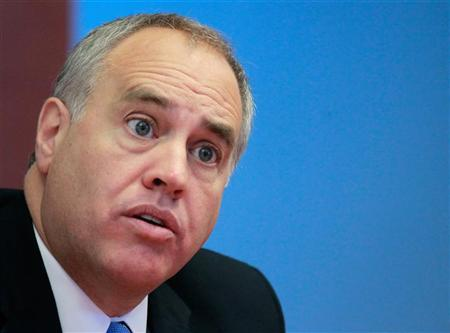New York State Comptroller Thomas DiNapoli speaks during an interview with Reuters in New York, October 18, 2010. REUTERS/Brendan McDermid