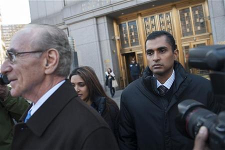 Former SAC Capital employee Mathew Martoma gets into an awaiting car as he leaves Manhattan Federal Court in New York, November 26, 2012. REUTERS/Keith Bedford