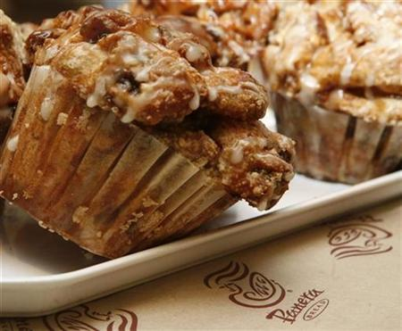 A muffin on display at a Panera Bread Co restaurant in Chicago February 12, 2009. REUTERS/John Gress