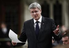 Canada's Prime Minister Stephen Harper speaks during Question Period in the House of Commons on Parliament Hill in Ottawa December 6, 2012. REUTERS/Chris Wattie