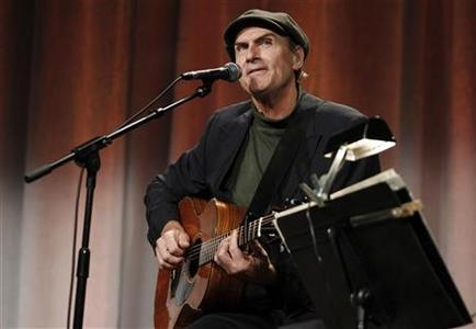 Musician James Taylor performs at a talk titled ''Beyond Religion: Ethics, Values and Wellbeing'' in Boston, Massachusetts October 14, 2012. REUTERS/Jessica Rinaldi