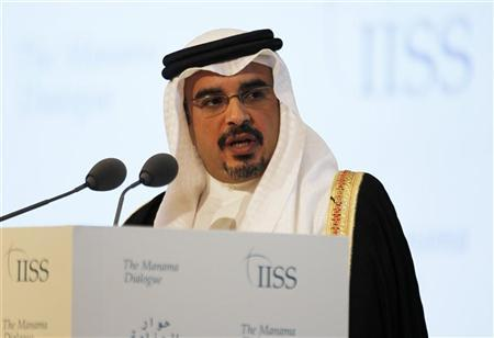 Bahrain's Crown Prince Salman bin Hamad al-Khalifa speaks at the opening ceremony of the 8th International Institute of Strategic Studies (IISS) Regional Security Summit, the Manama Dialogue, in Manama, December 7, 2012. REUTERS/Hamad I Mohammed