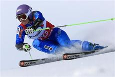 Tina Maze of Slovenia speeds down during the first run of the Giant slalom race at the women's Alpine skiing World Cup at the Corviglia in the Swiss mountain resort of St. Moritz December 9, 2012. REUTERS/Arnd Wiegmann