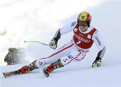 Marcel Hirscher of Austria skis during the first leg in the Men's World Cup Giant Slalom skiing race in Val d'Isere, French Alps, December 9, 2012. REUTERS/Robert Pratta