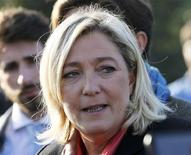 <p>Marine Le Pen a imputé lundi l'élimination, la veille, des candidats du Front national lors du premier tour de trois élections législatives partielles à la prime aux sortants UMP et centriste et à la faible implantation locale de son parti. /Photo prise le 14 novembre 2012 (FRANCE - Tags: POLITICS FOOD HEADSHOT)</p>