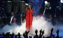 Cantora mexicana-americana Jenni Rivera faz show durante o Billboard Latin Music Awards 2012 em Coral Gables, na Flórida. A cantora mexicana-americana Jenni Rivera morreu em um acidente de avião, depois que o jatinho em que viajava caiu no norte do México. 26/04/2012 REUTERS/Andrew Innerarity