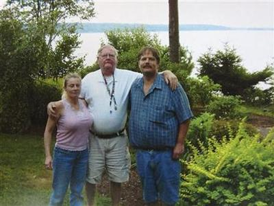 Colleen LaRose (L), a Pennsylvania woman who named herself ''Jihad Jane,'' stands next to her boyfriend Kurt Gorman (R) and his father David Gorman (C) in an undated family photo believed to have been taken sometime between 2005 and 2009 and supplied by her family. REUTERS/Family Photo/Handout