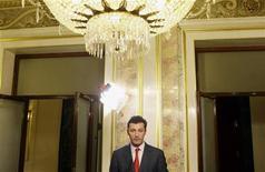 El diputado del PP Santiago Cervera presentó el lunes su dimisión como parlamentario después de haberse visto involucrado en un presunto caso de chantaje al presidente de la Caja de Navarra, José Antonio Asiaín. En la imagen de archivo, Cervera durante una comparecencia ante los medios en el Congreso. REUTERS/Susana Vera