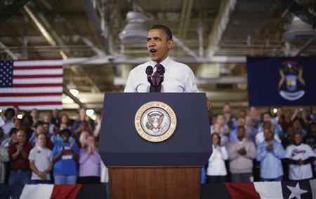 U.S. President Barack Obama delivers remarks after his tour of the Daimler Detroit Diesel plant in Redford, Michigan, December 10, 2012. REUTERS/Jason Reed