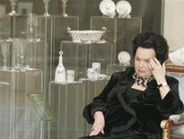 Galina Vishnevskaya, cantora de ópera russa, é vista durante cerimônia de abertura de uma exibição no Palácio Konstantinovsky em São Petersburgo, em 2008. Galina, cuja voz de soprano fascinou o compositor Benjamin Britten e convenceu o violinista Mstislav Rostropovich a se tornar seu terceiro marido morreu aos 86 anos, anunciou seu teatro nesta terça-feira. 12/05/2008 REUTERS/Alexander Natruskin