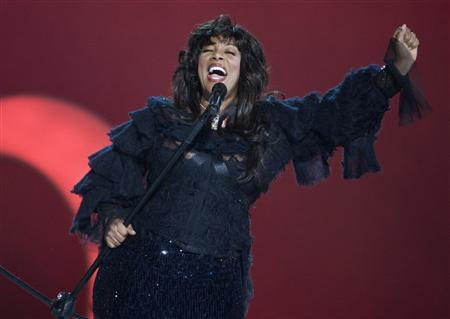 Pop diva Donna Summer performs during the Nobel Peace Prize concert in Oslo in this December 11, 2009 file photo. REUTERS/Chris Helgren/Files