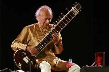 Sitar player Ravi Shankar performs in Kolkata February 7, 2009. REUTERS/Jayanta Shaw/Files