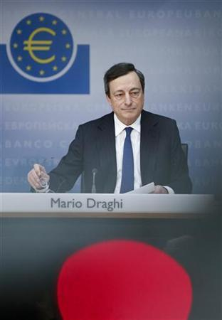 European Central Bank (ECB) President Mario Draghi attends the monthly ECB news conference in Frankfurt December 6, 2012. REUTERS/Lisi Niesner (GERMANY - Tags: BUSINESS)