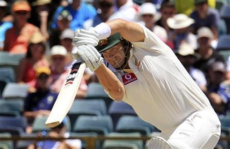 Australia's Shane Watson hits a boundary off a ball from South Africa's Dale Steyn at the WACA in Perth during the fourth day's play of the third cricket test match December 3, 2012. REUTERS/Stringer