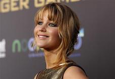 """Jennifer Lawrence es la mujer más deseada del mundo, según una encuesta internacional publicada por la página web AskMen. En la imagen, de 12 de marzo, la actriz Jennifer Lawrence de """"Los juegos del hambre"""" en Los Ángeles. REUTERS/Mario Anzuoni/Files"""