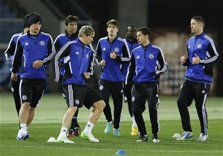 Chelsea's players take part in an official training session for the Club World Cup soccer tournament in Yokohama, south of Tokyo December 12, 2012. REUTERS/Yuriko Nakao
