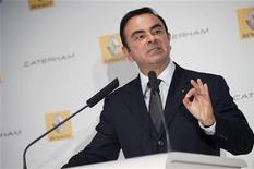 <p>Le PDG de Renault-Nissan Carlos Ghosn. L'alliance franco-japonaise a finalisé mercredi un accord très attendu lui permettant de prendre le contrôle du constructeur de la Lada et de répondre à la demande d'une classe moyenne croissante en lui proposant des véhicules abordables. /Photo prise le 5 novembre 2012/REUTERS/Julien Muguet</p>