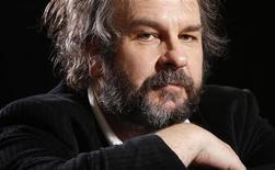"""Peter Jackson volta à Terra Média com """"O Hobbit"""" que estreia na sexta-feira nos Estados Unidos. 07/12/2012 REUTERS/Carlo Allegri"""