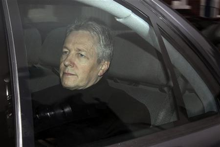 Northern Ireland's Democratic Unionist Party (DUP) leader Peter Robinson arrives at Hillsborough Castle near Belfast, Northern Ireland January 26, 2010. REUTERS/Cathal McNaughton