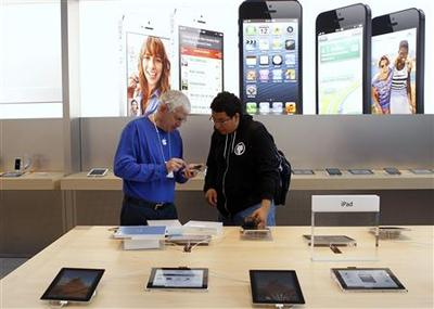 As global consumers shop mobile, Apple outshines...