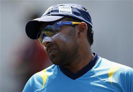 Sri Lanka's captain Mahela Jayawardene looks on during a practice session in Galle November 16, 2012. REUTERS/Dinuka Liyanawatte