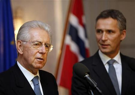 Italian Prime Minister Mario Monti (L) speaks next to his Norwegian counterpart Jens Stoltenberg after the Nobel Peace Prize ceremony in Oslo December 10, 2012. REUTERS/Lise Aserudl/NTB Scanpix