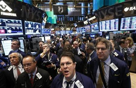 Traders work on the floor of the New York Stock Exchange December 10, 2012. REUTERS/Brendan McDermid