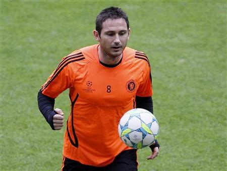 Chelsea's Frank Lampard attends a practice session in Munich May 18, 2012. REUTERS/Wolfgang Rattay/Files